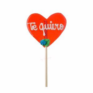 Piruleta artesana de caramelo grande con forma de corazón con flor y texto personalizable